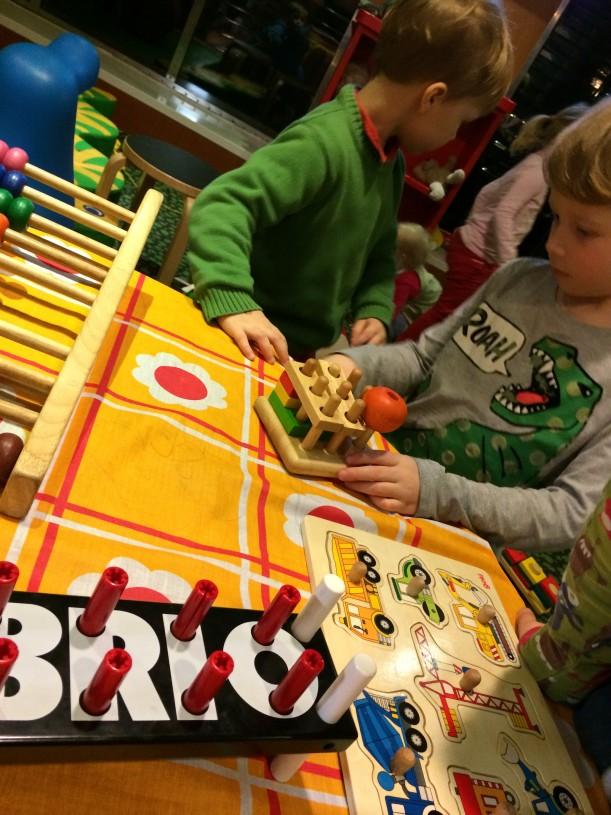 Eckerölinen Finlandialla lapsilla riitti mukavaa puuhaa lasten leikkitilassa