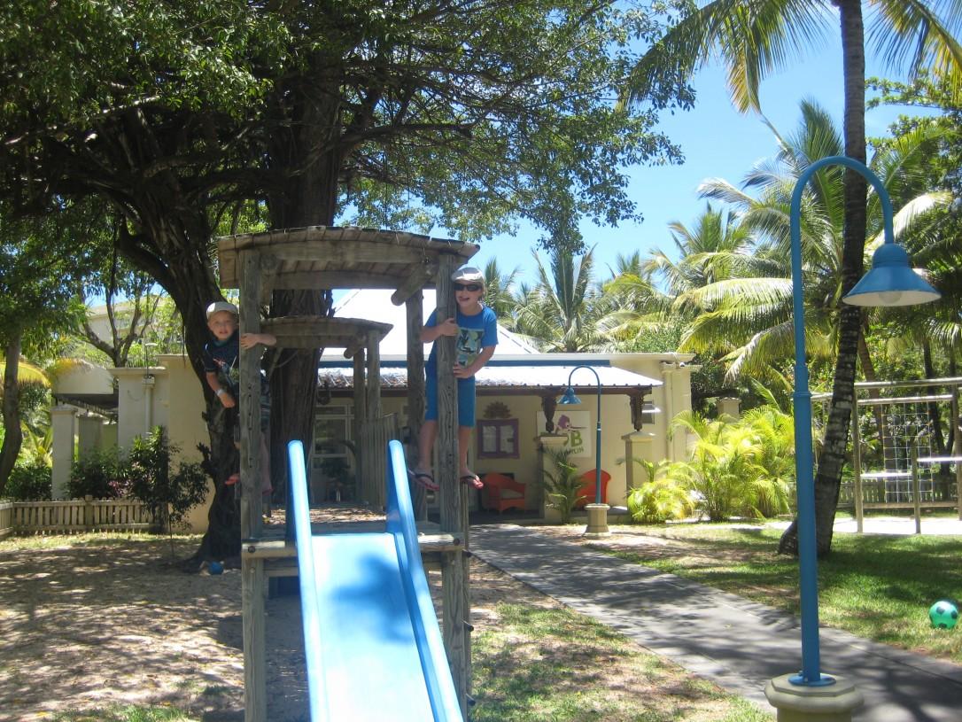 Mauritiuksen Beachcomber Shandradi tarjosi lapsille Bob Marley lasten kerhon  viihtyisässä ympäristössä