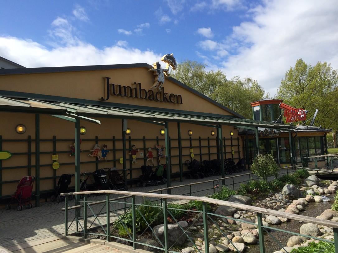 Junibacken sijaitsee Djurgårdenilla aivan Wasa-museon vieressä