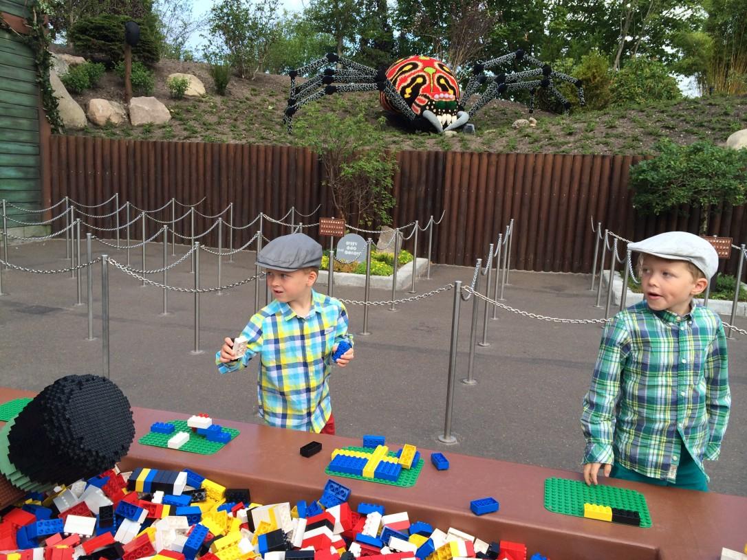 Jonottaminen sujui Legolandissa kuin leikki