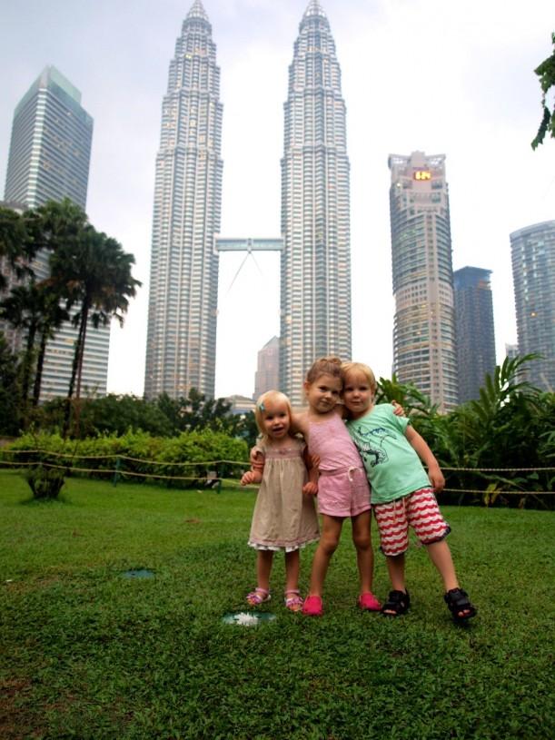 Kuala Lumpurin Petronas Twin Towers on kaupunkin kuuluisin nähtävyys.