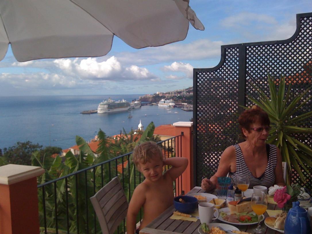 Funchal on kiehtova kaupunki ja Madeira tarjoaa ihanteellisen ilmaston talvilomalle.