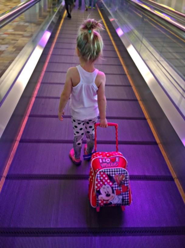 Esikoisemme oli maailman reippain matkustaja - yhtäkään kiukkukohtausta ei nähty kummankaan lapsen kanssa.