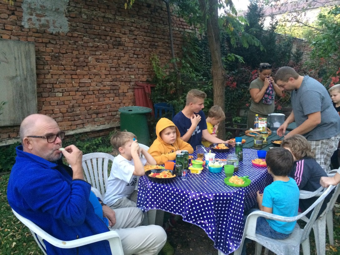 Unkarilaisessa keittiössä ei pingoteta eikä stressata.