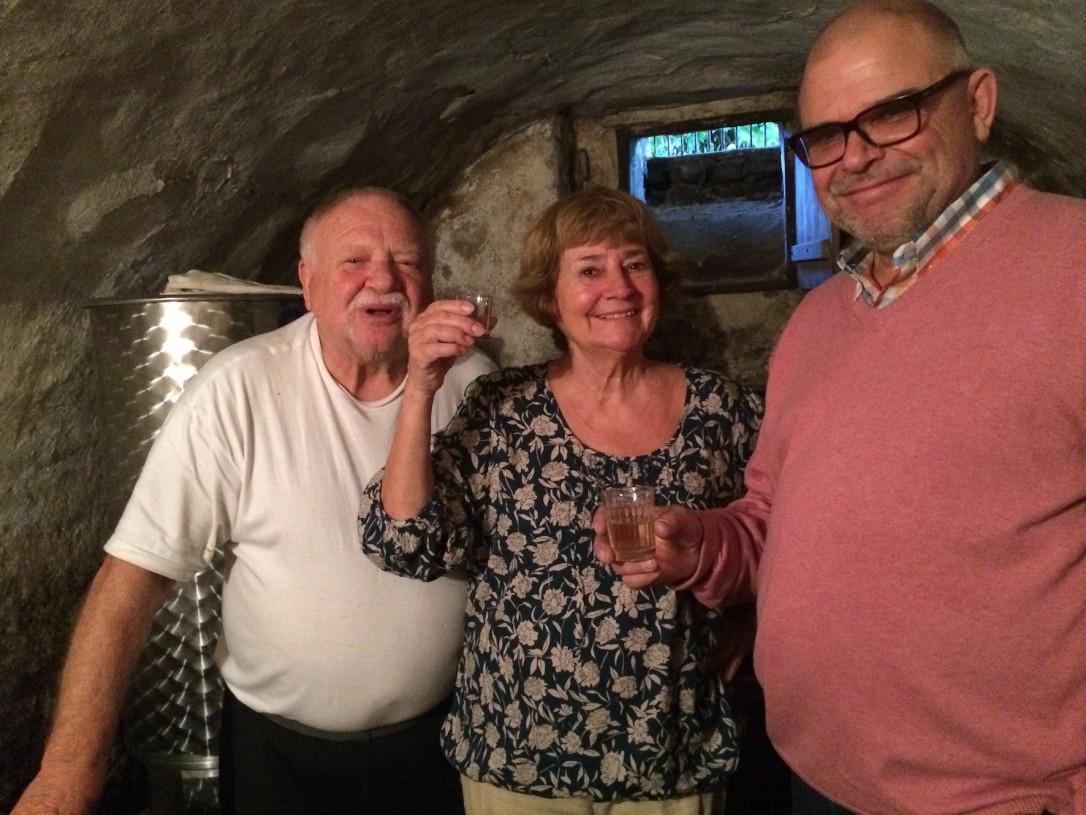 Tilan omistavat ystäväni vanhemmat Attila ja Kati. Mukana reissussa oli myös lasteni Paappa.
