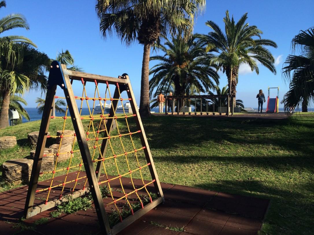 Santa Catarinan puistossa on hyvät ja turvalliset leikkipaikat aivan keskustan tuntumassa.