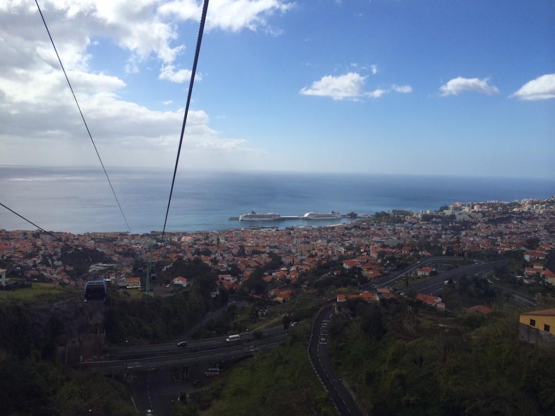 Kaapelihissistä avautuvat upeat näkymät koko Funchalin kaupungin yli