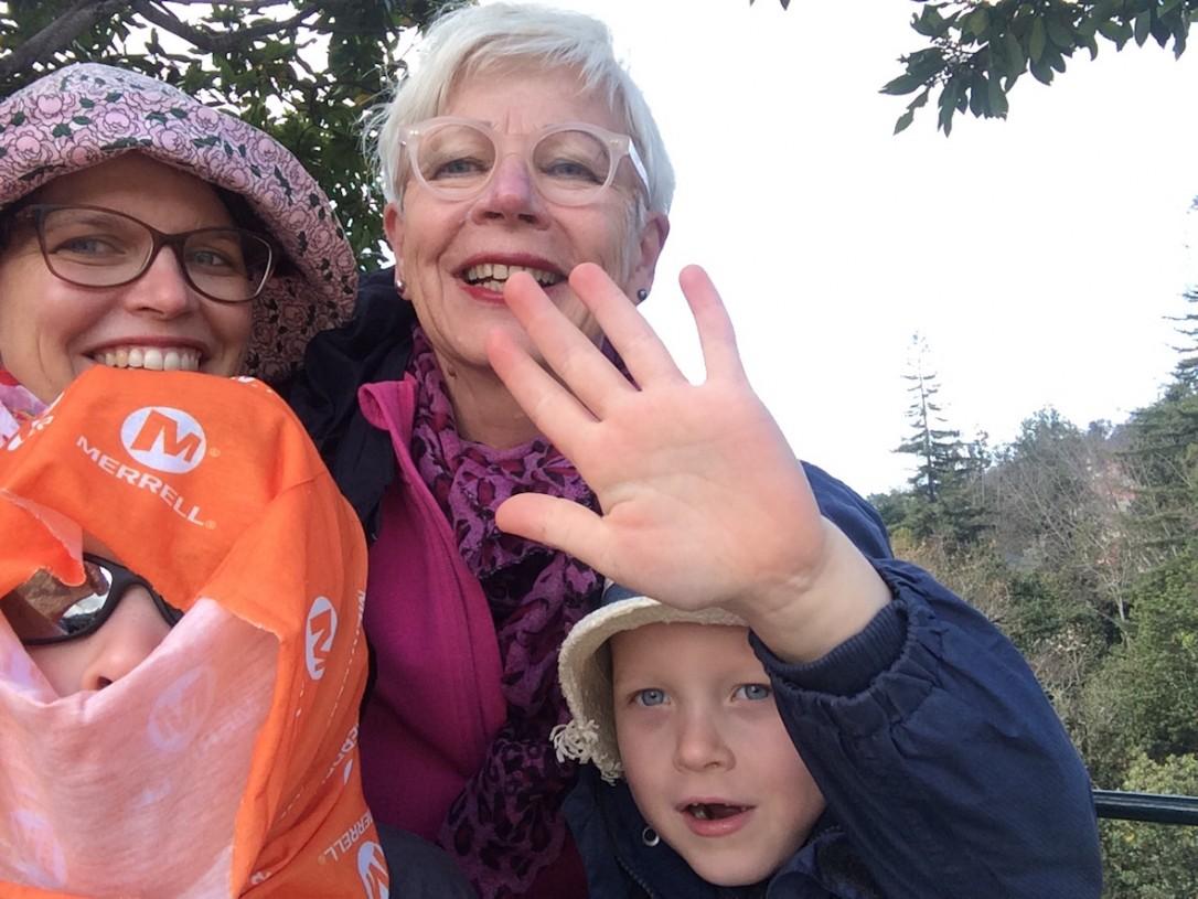 Meidän reissujengiimme kuului tällä kertaa lisäkseni Mumma 69v sekä 5- ja 7-vuotiaat pojat.