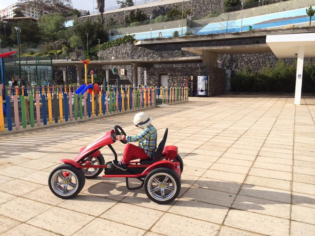 Lidon puistossa parasta olivat polkuautot