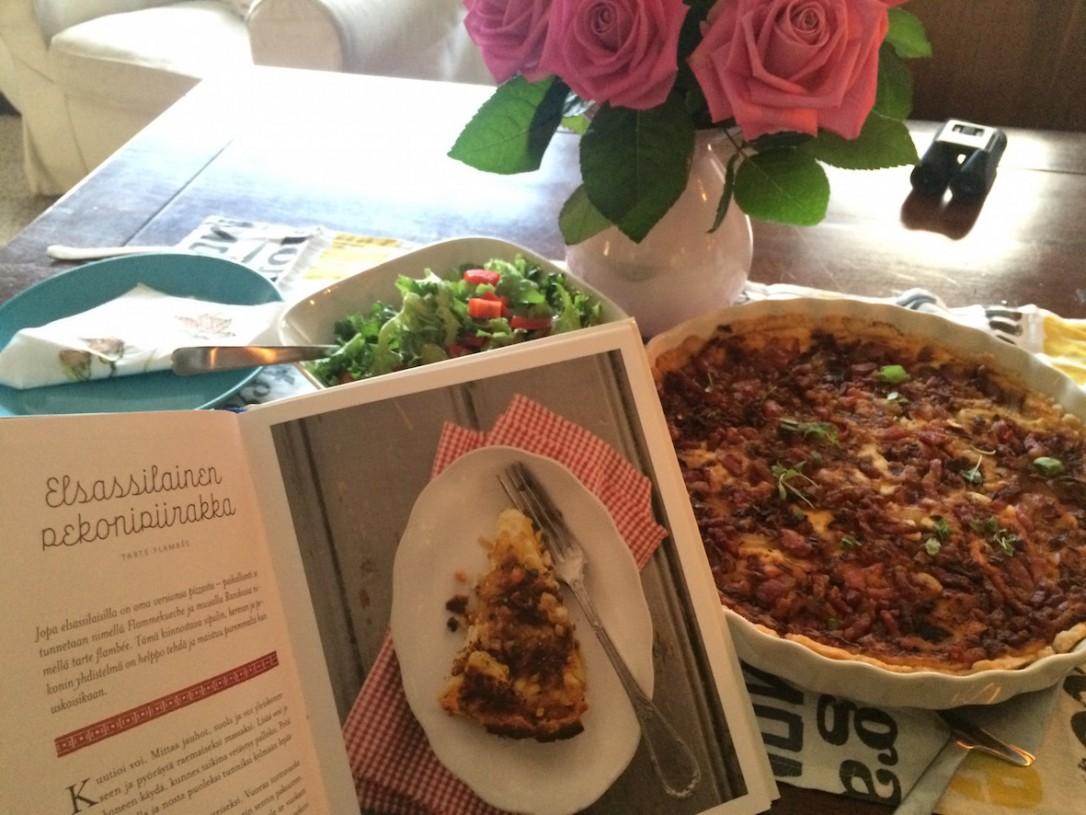 Aion ottaa mukaan kaksi keittokirjaa Hans Välimäen Ruokaa Ranskasta sekä ranskalaisen Cuisine en Famille.