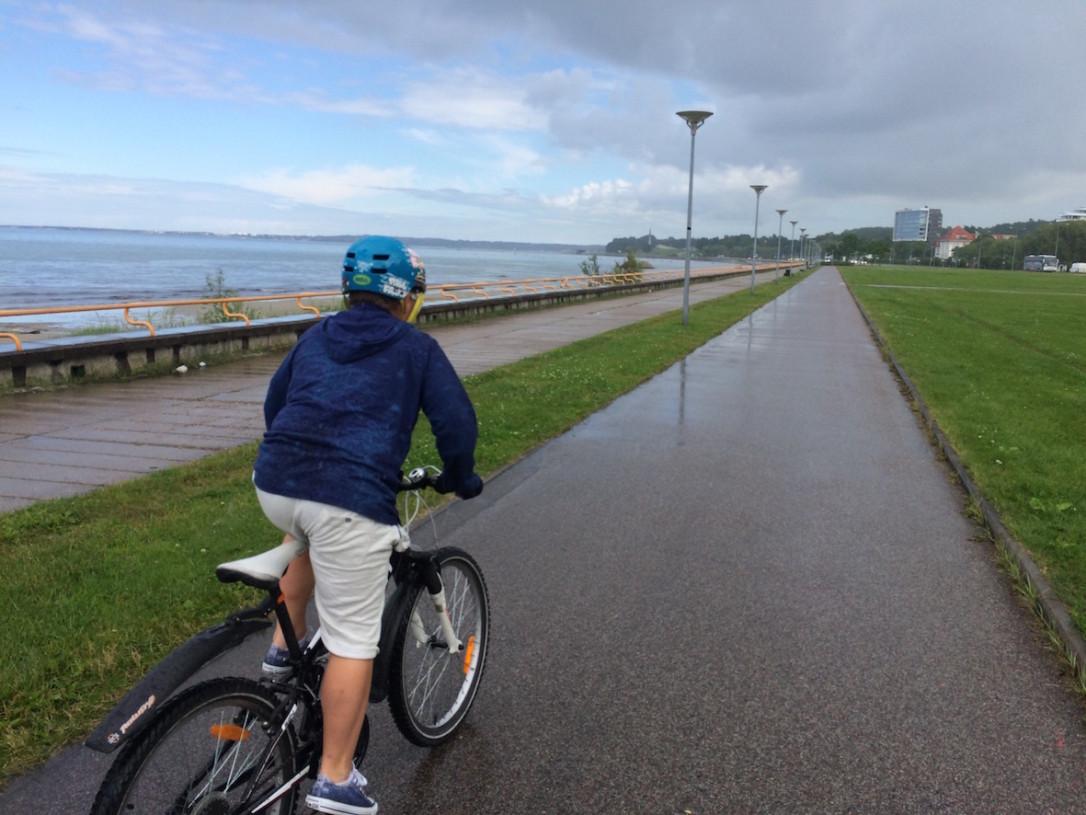 Menomatkalla satoi, mutta ei se kesäsade oikeastaan menoa haitannut.