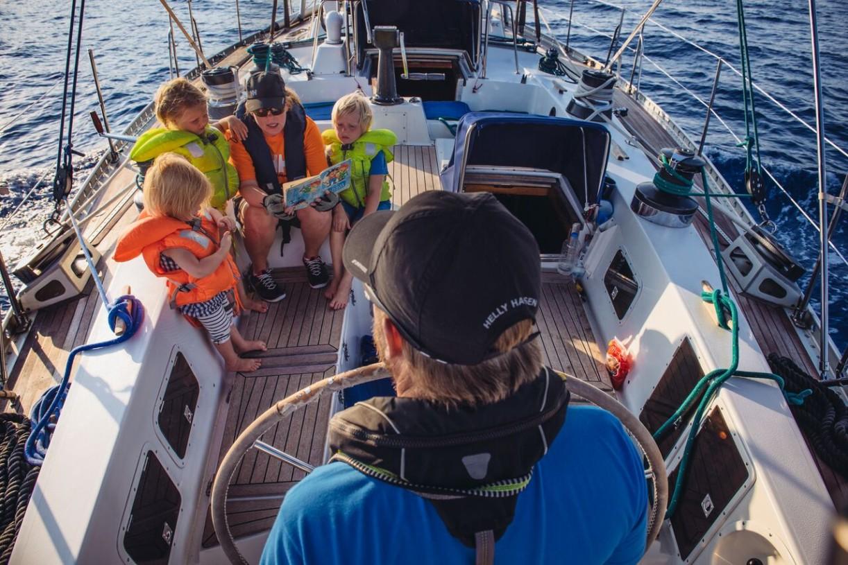 Sail for Good -löytöretken miehistöön kuuluu Meretniemen 5 henkinen perhe.