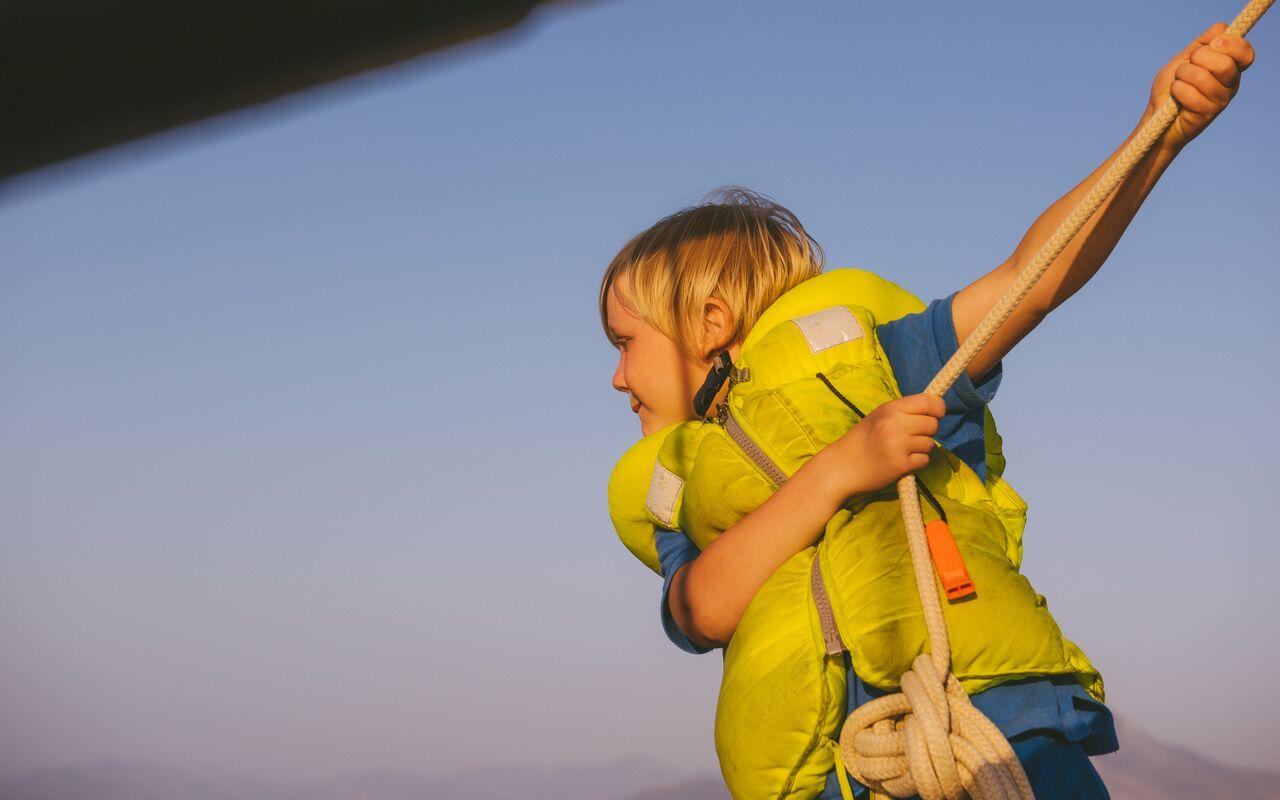 Perheen vanhin lapsi Aarre on matkan alkaessa 7-vuotias.
