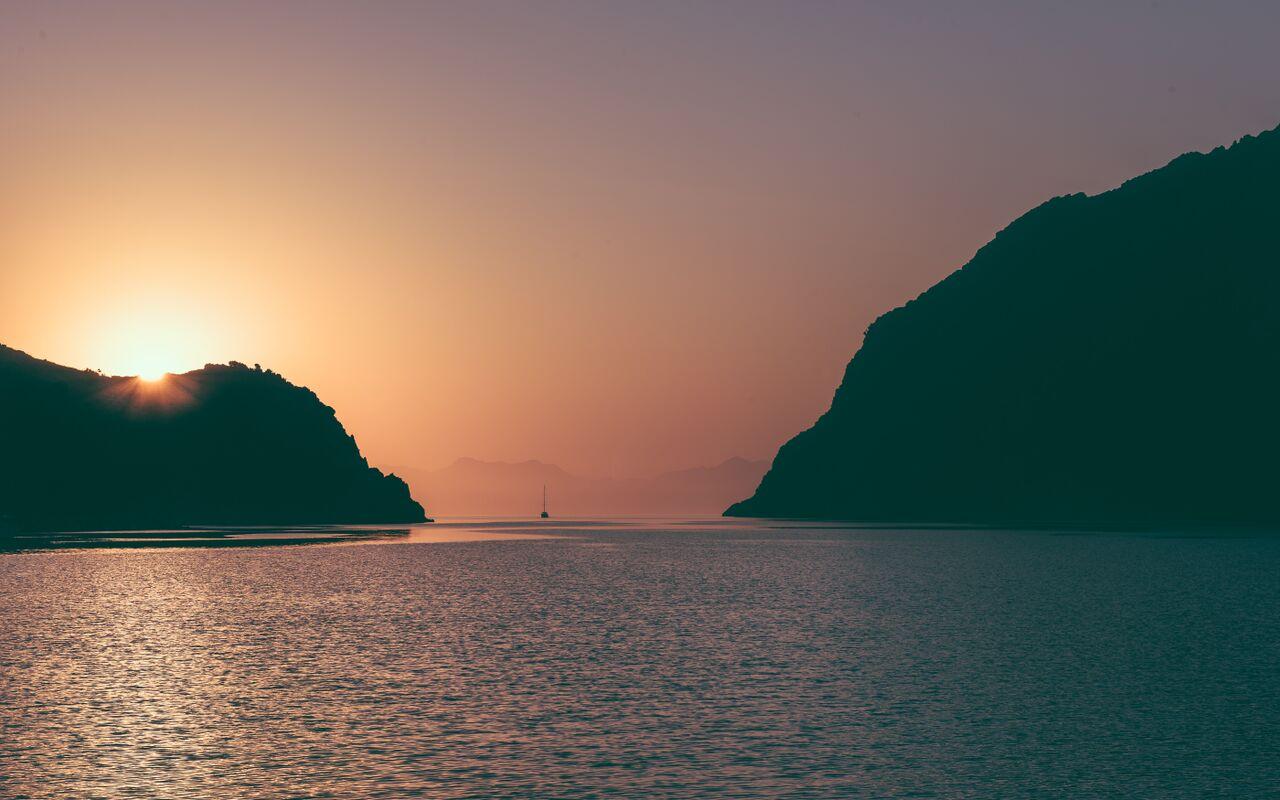 Nämä upeat maisemat odottavat purjehdusjoukkoamme Turkin rannikolla.