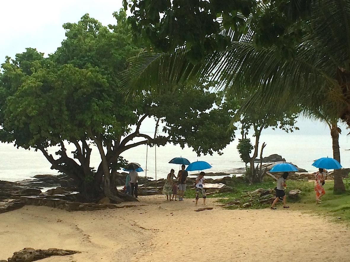 Yhtenä aamuna satoi vettä ja yllätyin, kun joogarantani oli täynnä aasialaisia turisteja