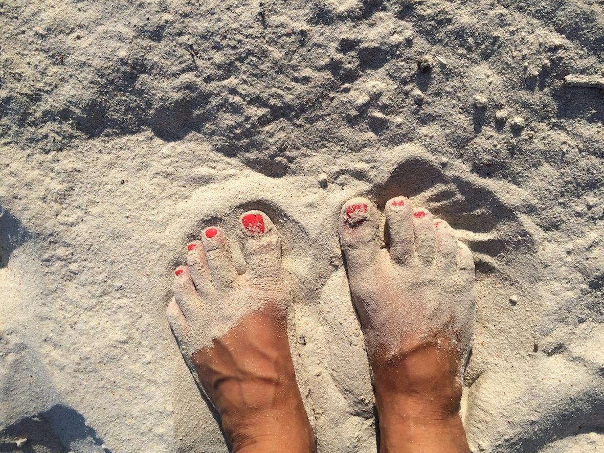Samettinen hiekka varpaiden alla tuntui taivaalliselta.