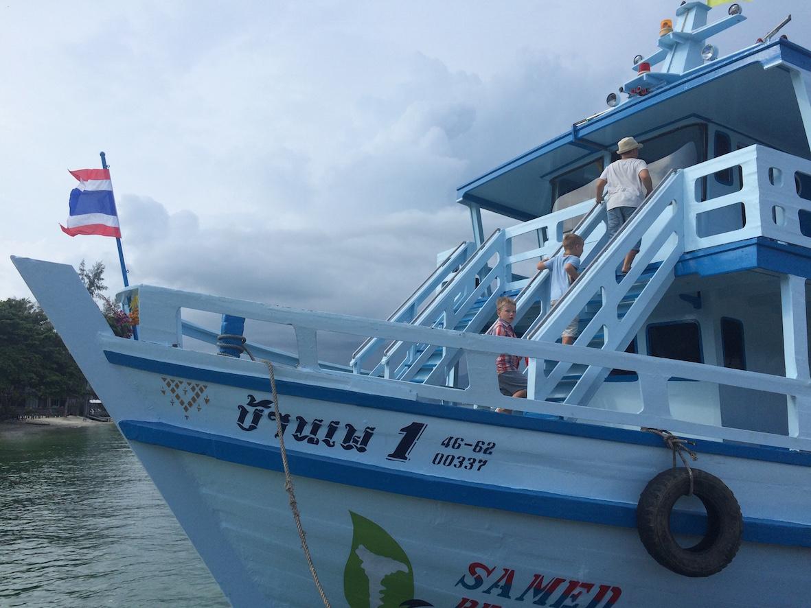 Samed Groupin hotellivieraille tarjotaan kyyti hotellin omalla laivalla.