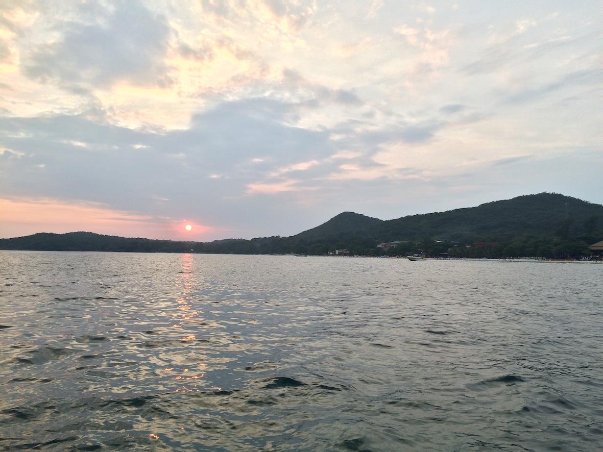 Venematka mantereelta Koh Sametin saarelle kestää kyydistä riippuen 15-30 minuuttia